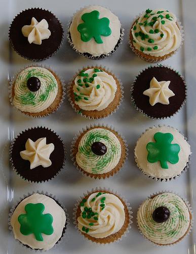 St_patricks_day_cupcakes_by_vjarymow